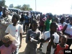 Bekugcwele labantwana eSt. Mary's abahambe emkhosini wokukhanga ukuthi abantu babhalise kugwalo lokuvota.