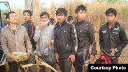 Nhóm người Thượng Tây Nguyên từ Việt Nam chạy sang Campuchia tìm đường tị nạn.