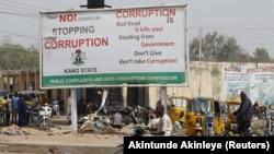 Campagne contre la corruption dans le district de Dangi, dans la ville de Kano, au nord du Nigeria, le 19 janvier 2016.