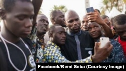 Kemi Séba, de son vrai nom Stellio Capochichi, l'un des instigateurs du mouvement contre le franc CFA, expulsé du à Sénégal, Daka, 14 septembre 2017. (Facebook/Kemi Seba)