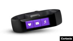 La nueva pulsera inteligente de Microsoft, permite a sus usuarios practicar deportes, mientras monitorea su estado de salud.
