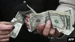Giới tiêu thụ ở Mỹ chi tiêu nhiều hơn trong lúc năm 2011 sắp sửa kết thúc