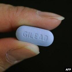 """""""Truvada"""" degan dori """"Gilead"""" kompaniyasi mahsuloti. AQShda ishlab chiqarilar edi. Endi esa butun dunyo bo'ylab o'z korxonalarini ochmoqda. Dori arzonroq bo'lishi uchun."""