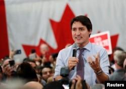 쥐스탱 트뤼도 캐나다 총리가 지난 18일 온타리오주 본에서 열린 선거유세 집회에서 연설하고 있다.