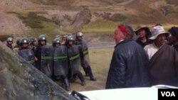 Cách thức mà lực lượng an ninh Trung Quốc đối phó với các cuộc biểu tình ở quận Driru cho thấy quyết tâm mãnh liệt là bảo đảm những vụ việc tương tự được bịt kín
