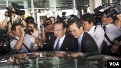 Wakil Menlu Korea Utara Kim Kye Gwan (tengah) saat melakukan pembicaraan bilateral dengan pemerintah AS di New York akhir bulan lalu.