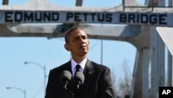 奧巴馬在遊行的50週年紀念活動上呼籲美國人為使國家更美好而共同努