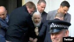 ស្ថាបនិកគេហទំព័រWikileaks លោកJulian Assange ត្រូវបានប៉ូលិសចាប់ខ្លួននៅក្រុងឡុងដ៍។