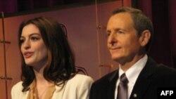 谢拉克和海瑟薇宣布提名