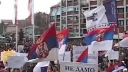 Protesta të serbëve