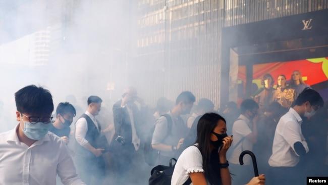 中国一学者因质疑香港暴力事件遭猛烈围攻