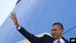 奧巴馬總統登上空軍一號
