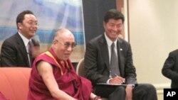 达赖喇嘛与洛桑森格今年七月一同造访华盛顿(资料照片)