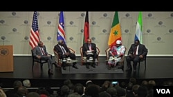 Conferência sobre democracia e prosperidade e África no Instituto da Paz em Washington (da esquerda para direita - José Maria Neves, Ernest Koroma, Johnnie Carson, Joyce Banda e Macky Sall)