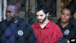 Esteban Santiago, quien disparó 15 veces en un aeropuerto internacional, de diagnosticado esquizofrenia después del tiroreo