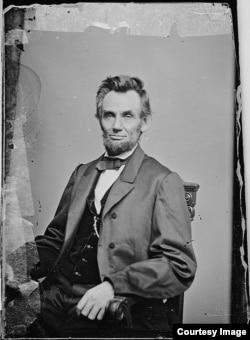 A portrait of President Abraham Lincoln. (Courtesy: The National Archives)