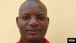 Mfuka Muzemba é um dos jovens envolvidos na criação do Fórum