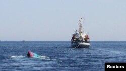 Tàu của Việt Nam bị tàu Trung quốc đâm chìm gần quần đảo Hoàng Sa