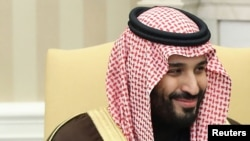 محمد بن سلمان، ولیعهد عربستان، سعودی تلاش می کند تا جامعۀ محافظه کار عربستان را به یک جامعۀ معتدل اسلامی مبدل سازد