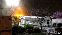 一輛美國國會警察專車停在郊外一個郵件處理中心。該車專責查處有害物質。(資料圖片)