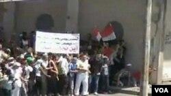 Para demonstran anti pemerintah tetap melanjutkan aksi protes meski ditindak secara keras oleh pasukan keamanan (17/6).