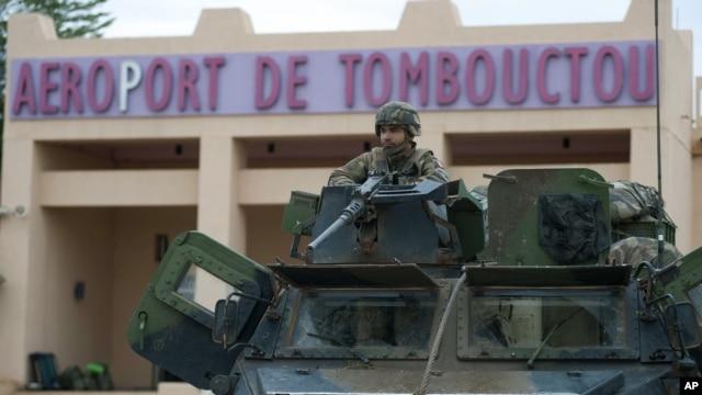 Cuộc hồi hương của quân đội Pháp tại Mali đã khởi sự từ thứ Bảy, với hàng trăm binh sĩ Pháp rời khỏi sân bay Timbuktu.