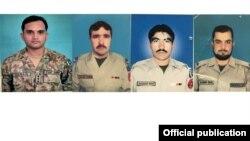 Enpat tentara Pakistan yang tewas dalam ledakan bom di Kurram hari Minggu (15/10).