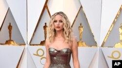Jennifer Lawrence tiba di Oscar pada hari Minggu, 4 Maret 2018, di Dolby Theatre di Los Angeles. (Foto: AP/Jordan Strauss)