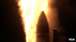 美國和日本試驗聯合研製的新款艦載導彈(美國國防部照片)