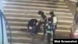 内蒙古乌兰浩特市男子中枪后遭殴打(网络视频截图)