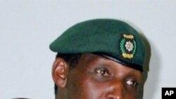 Jenerali Kayumva Nyamwasa, yabaye umugaba mukuru w'ingabo z'u Rwanda (ifoto yo muri 2001)
