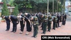 Phái đoàn Trung-Việt đến viếng nghĩa trang liệt sĩ Trung Quốc ở Gia Lâm, Hà Nội, ngày 30/9/2018.