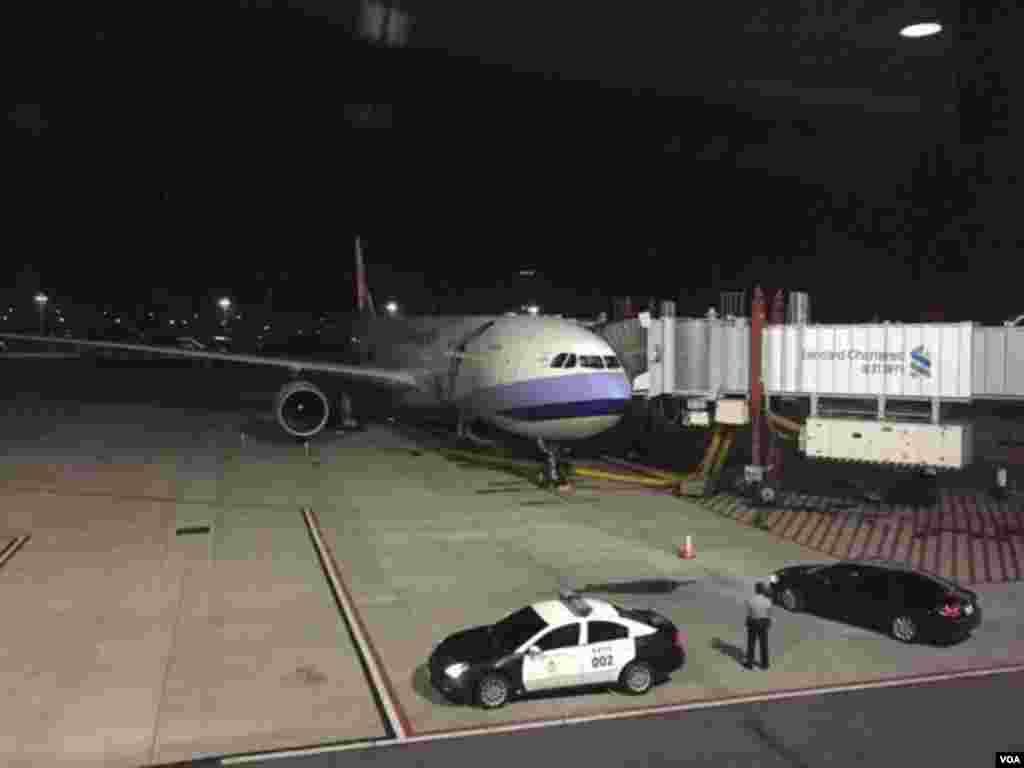 马习历史性会面全球媒体涌进新加坡 马英九专机将于清晨六时起飞(美国之音李逸华)