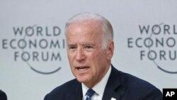 El vicepresidente de EE.UU., Joe Biden, participa en el Foro Económico Mundial, en Davos, Suiza, donde abogó por un mundo con menos desigualdad entre ricos y pobres.