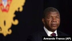 Presidente angolano e Marcelo Rebelo de Sousa em conferência de imprensa