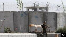 Талебан ископал тунел до авганистански затвор