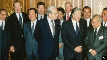 Cambodia stuck at a crossroads 25 years after peace agreement platinumwayz