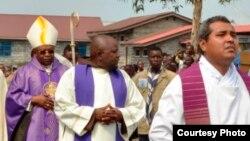 Une procession lors d'une messe catholique.