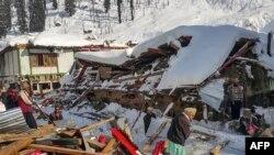 پاکستان میں ہنگامی صورتِ حال سے نمٹنے کے ادارے نیشنل ڈیزاسٹر مینجمنٹ اتھارٹی (این ڈی ایم اے) کے مطابق متاثرہ علاقوں میں امدادی کارروائیاں جاری ہیں۔