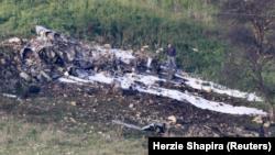 Останки сбитого истребителя F-16
