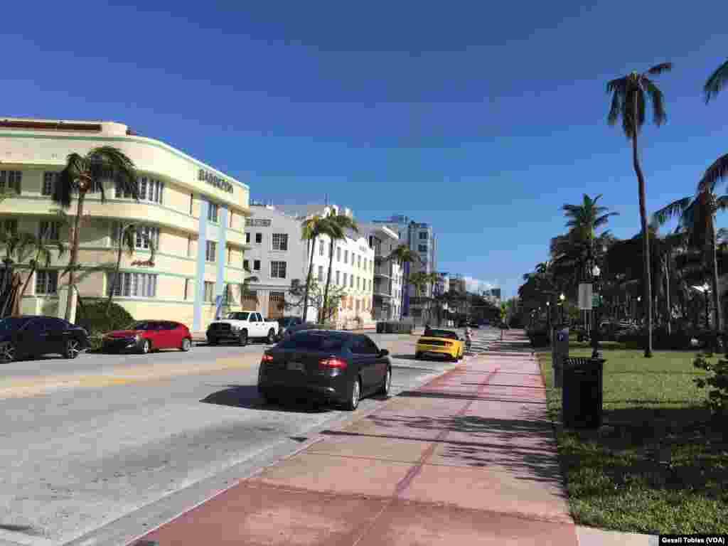Las calles de Miami Beach intentan volver a la normalidad.