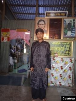 Tín đồ Nguyễn Hoàng Nam tu tập tại gia.