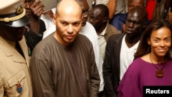 Archives: Karim Wade pris en photo à Dakar le 26 février 2012.