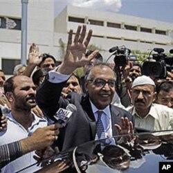 شہاب الدین نے جمعرات کو کاغذات نامزدگی جمع کروائے تھے