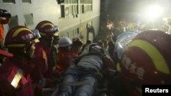 중국 선전시 토사붕괴 사고 발생 3일째인 19살 텐쩌밍 씨가 구조됐다.