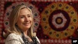 10月22号美国国务卿希拉里·克林顿访问塔吉克斯坦