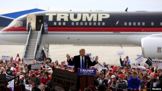 ခ်ီကာဂို မဲဆြယ္စည္း႐ံုးပြဲပ်က္ရမႈ Sanders ကို Trump အျပစ္တင္