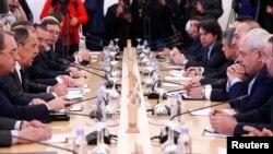 Сергей Лавров, Мевлют Чавушоглу, Мохаммад Джавад Зариф и другие члены делегаций трех стран встретились в Москве. Россия. 20 декабря 2016 г.