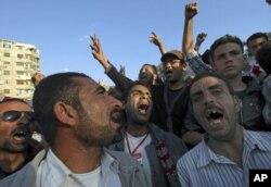 Le procureur général égyptien veut interroger Moubarak et ses deux fils