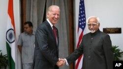 美國副總統拜登會見了印度副總統安薩里